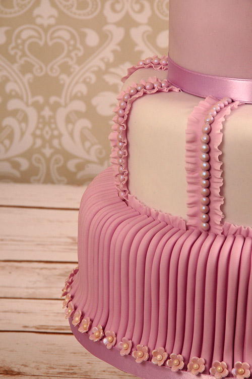 pink detail on Wedding cake designed by Janet Dobie from JD Cake Designs